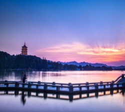 杭州西湖、乌镇东栅、西溪湿地、西塘2日游