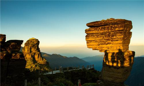 【全景贵州】贵州梵净山、黄果树景区、西江千户苗寨、小七孔双飞8日游