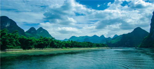 桂林、十里画廊、银子岩、象鼻山、龙脊梯田五日游