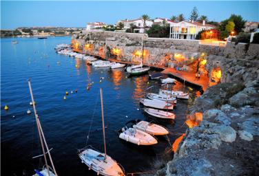 希腊、西班牙10晚13日游(圣岛升级2晚悬崖酒店,坐享无边爱琴海)