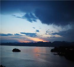 【浙里最美】杭州西湖、灵隐寺、千岛湖动车3日游